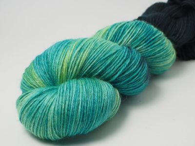 Atlantis* Sockyarn 4-ply fingering weight