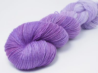 Lila Schmetterling* Sockyarn 4-ply fingering weight