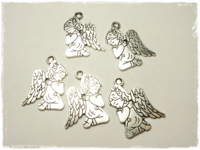 "Knitting Charm ""Praying Angel"""