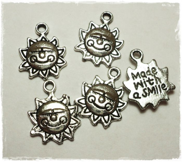 "Knitting Charms ""Sun - Made with a smile"""
