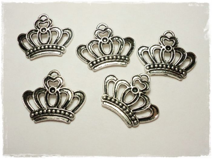 "Knitting Charm ""Crown"""